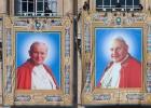 Canonizar a Juan Pablo II: ¿un error del Papa?