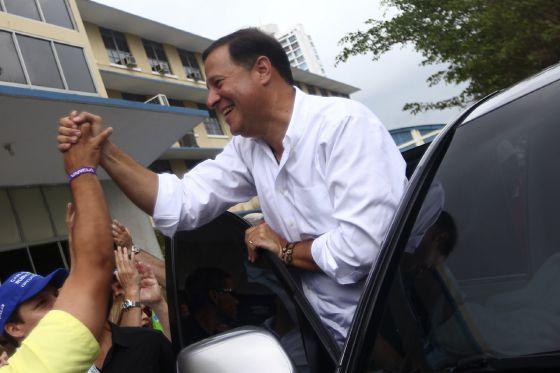 Panamá vota por el cambio y elige como presidente al opositor Juan Carlos Varela
