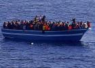 La Marina busca supervivientes de un naufragio en Lampedusa