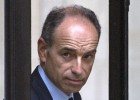 El líder de la derecha francesa dimite por un caso de corrupción