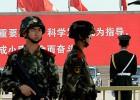Pekín despliega policías armados y 850.000 informantes en la capital