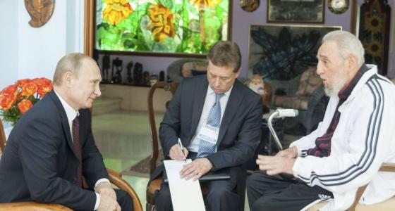 El expresidente cubano Fidel Castro con Vladimir Putin este viernes.