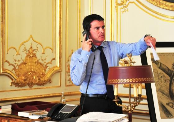 El primer ministro de Francia entrevistado para El Pais