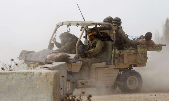 10.000 palestinos huyen ante la amenaza de Israel 1406145333_467268_1406145637_noticia_normal