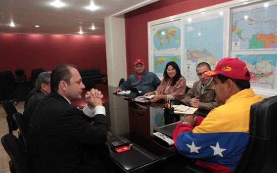 Maduro, con accionistas de Globovisión que tienen intereses en Miami.