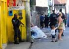 Tres jóvenes de una favela de Río acusan a cuatro policías de violación