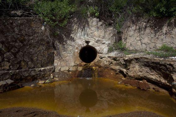 Uno de los desagües de la mina Buenavista del Cobre, en Cananea (Sonora, noroeste de México).