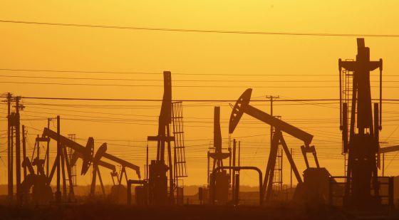 Planta de extracción a través del 'fracking' en California.