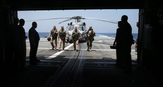 Infantería de la fragata Cristóbal Colón, buque insignia de la OTAN contra la piratería.