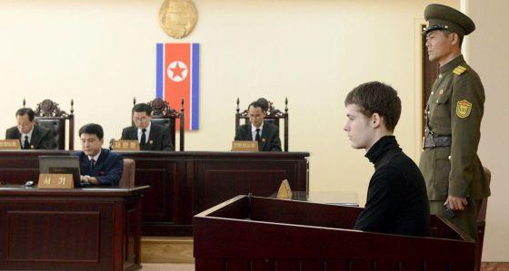 Coreia do Norte condena americano a seis anos de trabalhos forçados