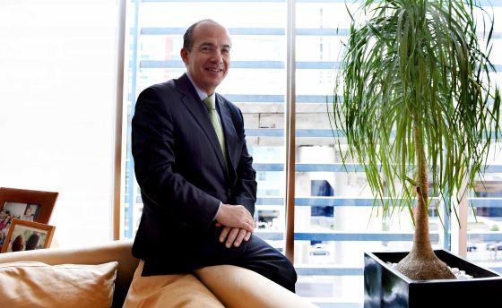 El expresidente mexicano, Felipe Calderón, en su despacho.