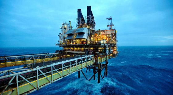 Plataforma de petróleo, a 100 millas de Aberdeen.