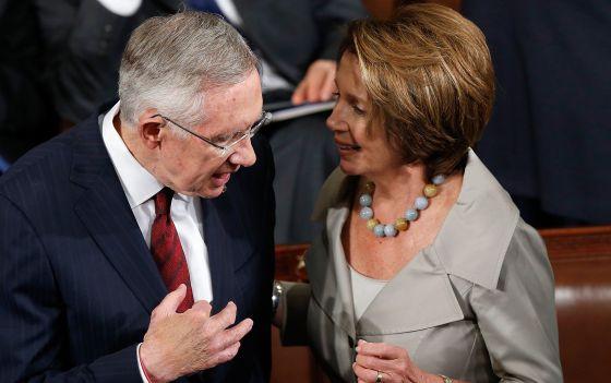 Los líderes demócratas del Congreso, Harry Reid y Nancy Pelosirn