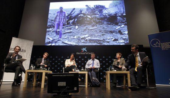 De izquierda a derecha, Andrea Rizzi, Andrey Makarychev,  Kadri Liik, Andrew Wilson, Carmen Claudín y Francisco de Borja Lasheras.