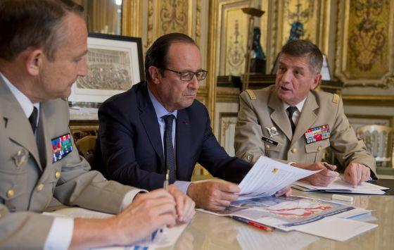 Hollande reforzará el dispositivo militar en Irak.