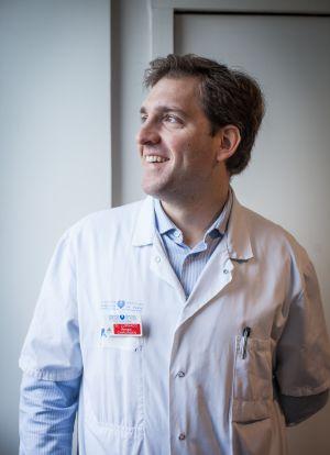 Renato Lupinacci, cirujano brasileño en París.