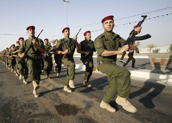 Voluntarios que se unieron en junio al Ejército regular para luchar contra los yihadistas.