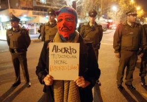 Manifestación a favor del aborto en Santiago de Chile.
