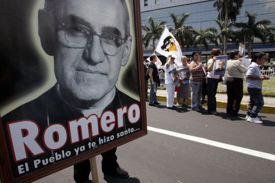 Acto en memoria del arzobispo Romero.