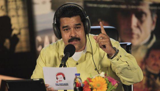 El presidente Maduro habla en su programa de radio.