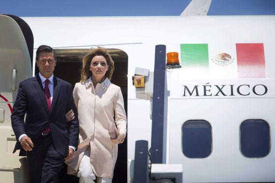 El presidente de México, Enrique Peña Nieto, y su esposa, Angélica Rivera.