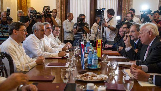 Cuba converge com Europa sem se aproximar dos Estados Unidos