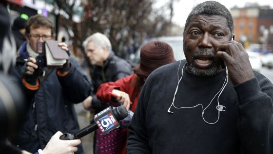 """El padrastro de Eric Garner: """"No queremos violencia"""""""