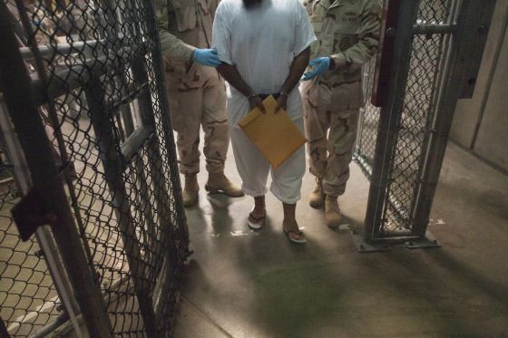Imagen de un detenido en Guantánamo