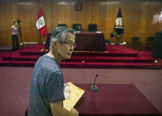 Fujimori es condenado a ocho años de cárcel por desviar fondos