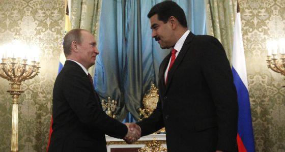 Nicolás Maduro con Vladímir Putin en Moscú en julio de 2013