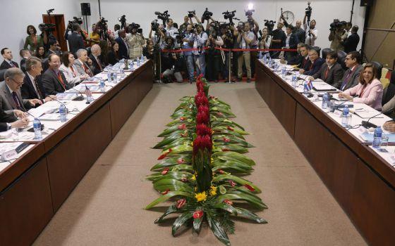 Las delegaciones cubana y estadounidense celebran su primer encuentro en La Habana.