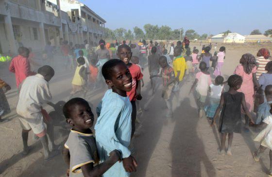 Niños juegan en un campo de desplazados en el estado nigeriano de Adamawa, el pasado 15 de enero.