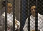 Un juez ordena liberar a los hijos de Mubarak a la espera de juicio