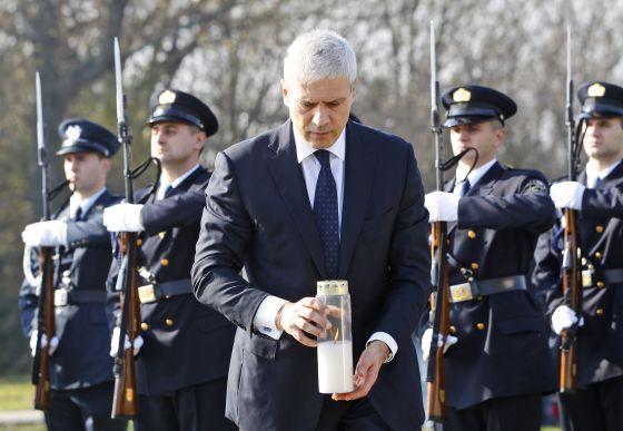 El expresidente serbio, Boris Tadic, durante el acto de homenaje a los 200 croatas asesinados por las tropas serbias en Vukovar, en 2010.