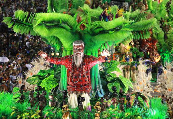 Un desfile patrocinado por Obiang vence en el carnaval carioca