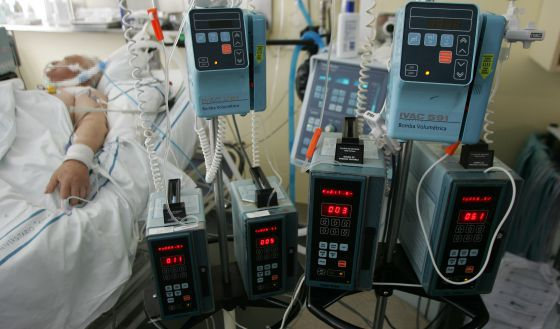 Francia aprueba el derecho de todos los pacientes a la sedación terminal