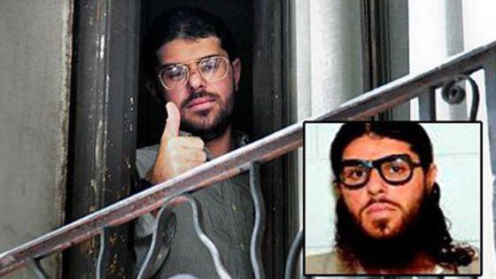 Montaje de una imagen actual y otra antigua de uno de los presos trasladados a Guantánamo.