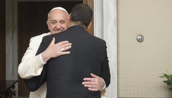 El Papa recibió ayer al presidente ecuatoriano Correa.