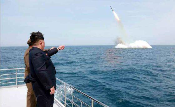Corea del Norte asegura haber lanzado un misil balístico submarino