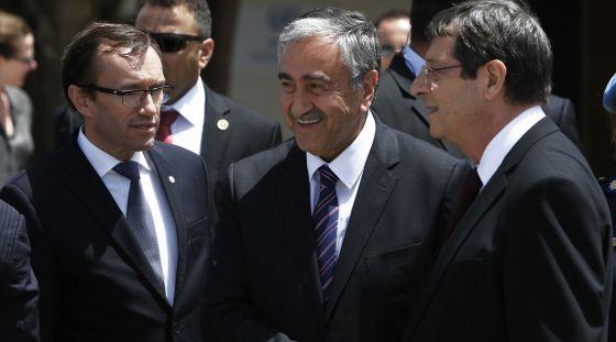 Chipre: la UE aplica una quita financiera. - Página 2 1432836577_195785_1432838451_noticia_normal