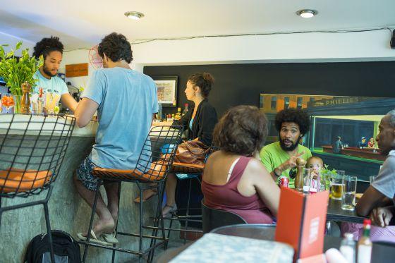 Uno de los nuevos bares con encanto recientemente abierto en la calle O'Reilly de La Habana Vieja.