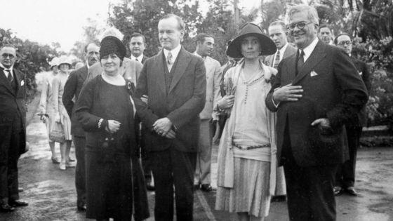 El presidente estadounidense Calvin Coolidge (I) en Cuba en 1928