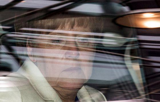 La canciller Angela Merkel, al llegar a la cumbre celebrada en Bruselas el domingo 12 de julio.