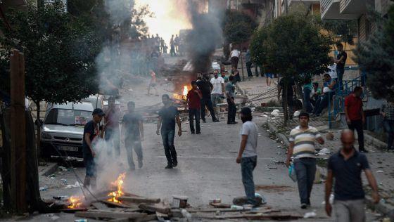 Turquia volta a bombardear o PKK no Iraque e ataca os curdos da Síria