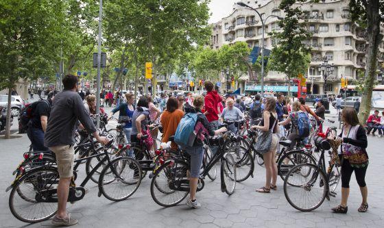 Rutas turísticas en bicicleta por el centro de Barcelona.