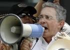 Uribe encabeza una protesta en contra del proceso de paz