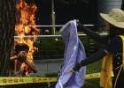 Un surcoreano se prende fuego en protesta contra Japón