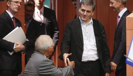 Quién aporta los 86.000 millones del rescate griego y a qué se dedicará