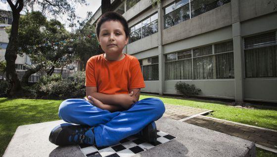niño de 9 años en la UNAM