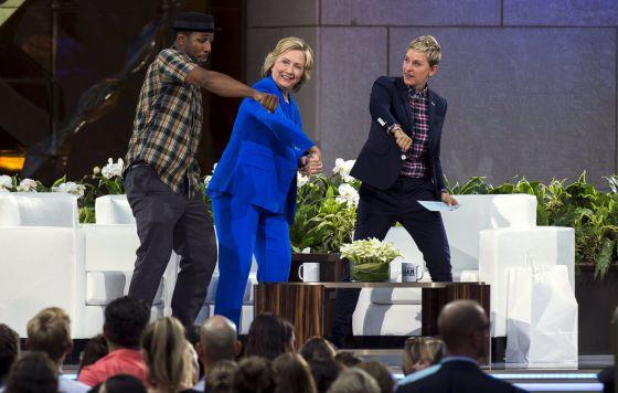 Hillary Clinton pide perdón por el caso de los correos electrónicos